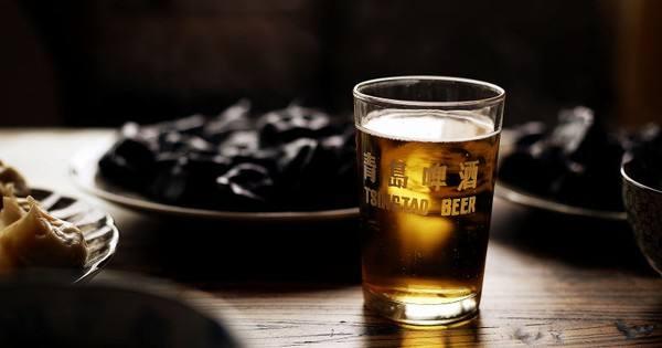 2016年公司主品牌青岛啤酒共实现销售量381万千升,其中奥古特,鸿运